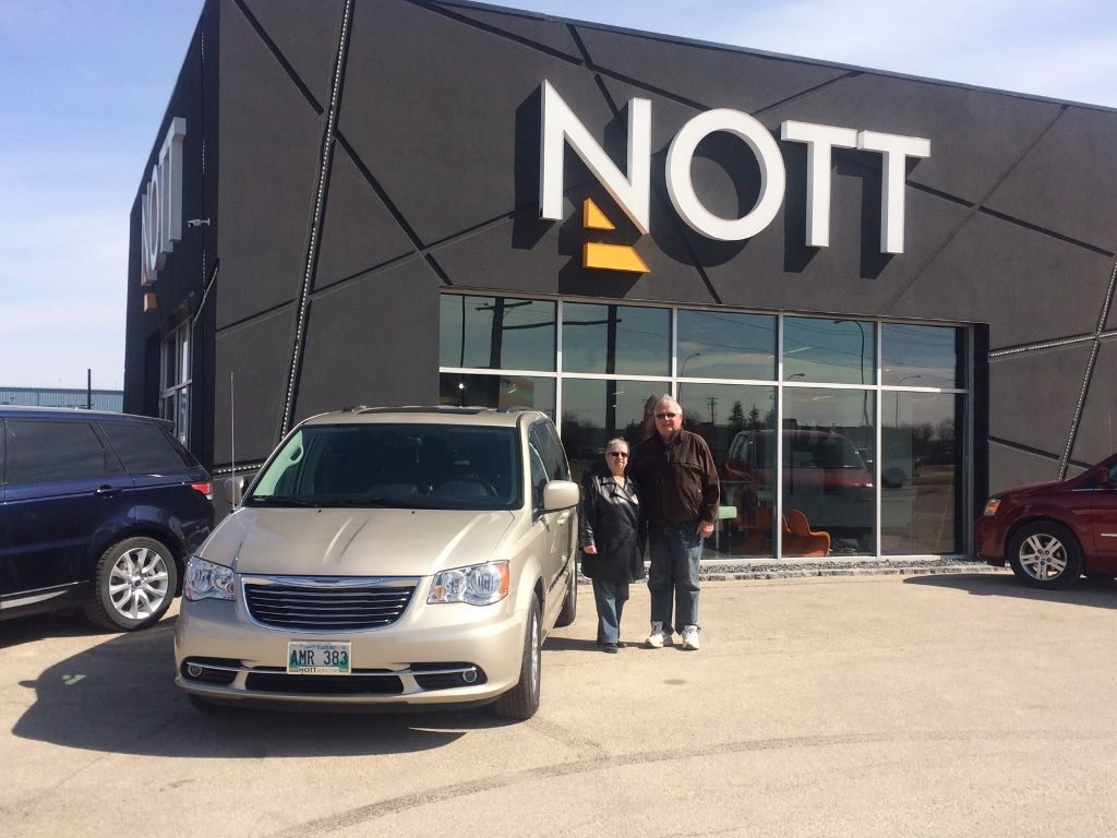 20160330_2015_Chrysler_TownAndCountry_Paul_Cormier