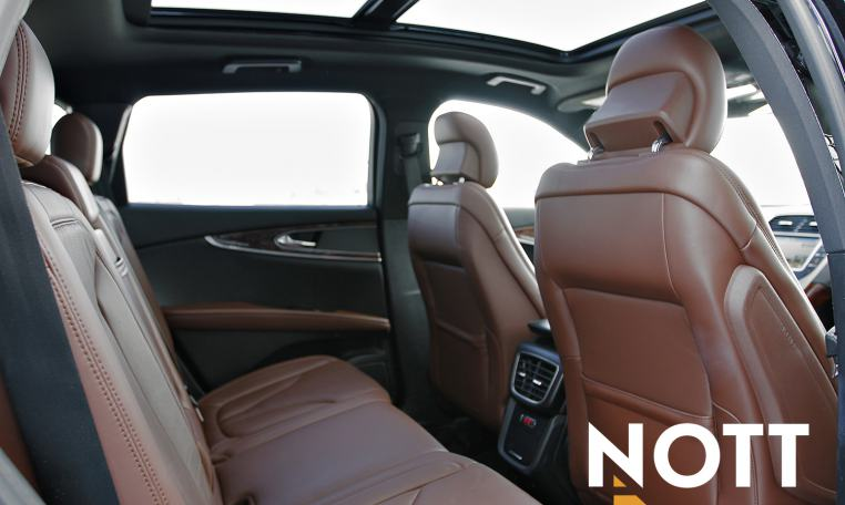 2017 Lincoln MKX Reserve For Sale In Winnipeg | 1 Owner, AWD, Navi, Pano Roof, Backup Cam, Heated/Cooled Leather
